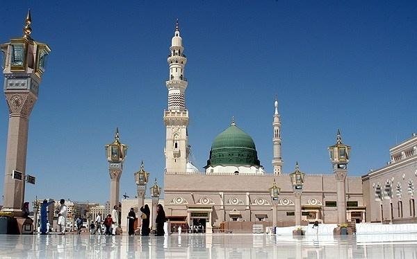 عربستان ممنوعیت اقامه نماز در حرمین شریفین را تمدید کرد