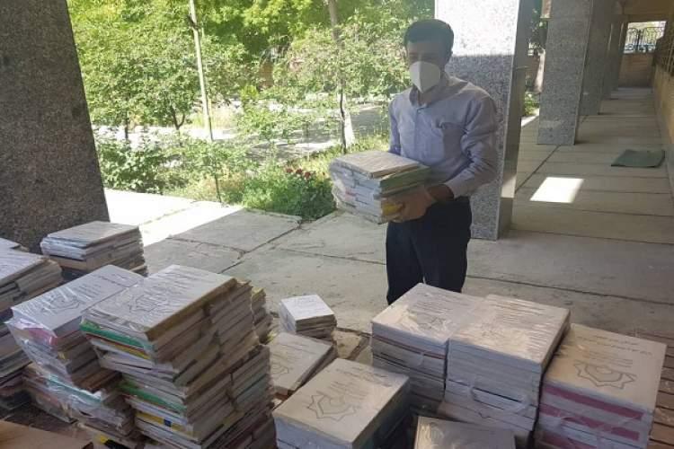 اهدای بیش از هزار جلد کتاب به کانون های برتر خوی در رویداد ملیفهما