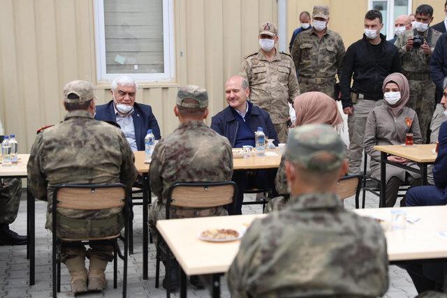 وزیر کشور ترکیه وارد خاک سوریه شد