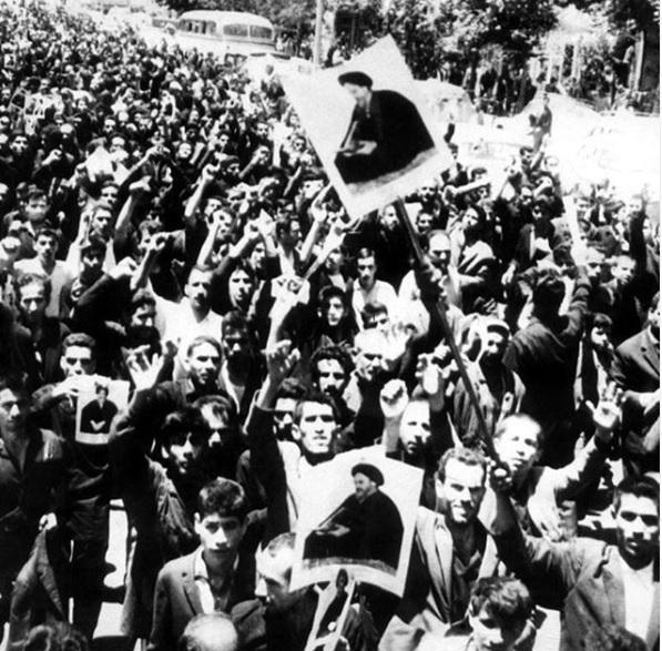 پانزده خرداد، نقطه عطف سال ها مبارزه آگاهانه ایرانیان با استبداد است